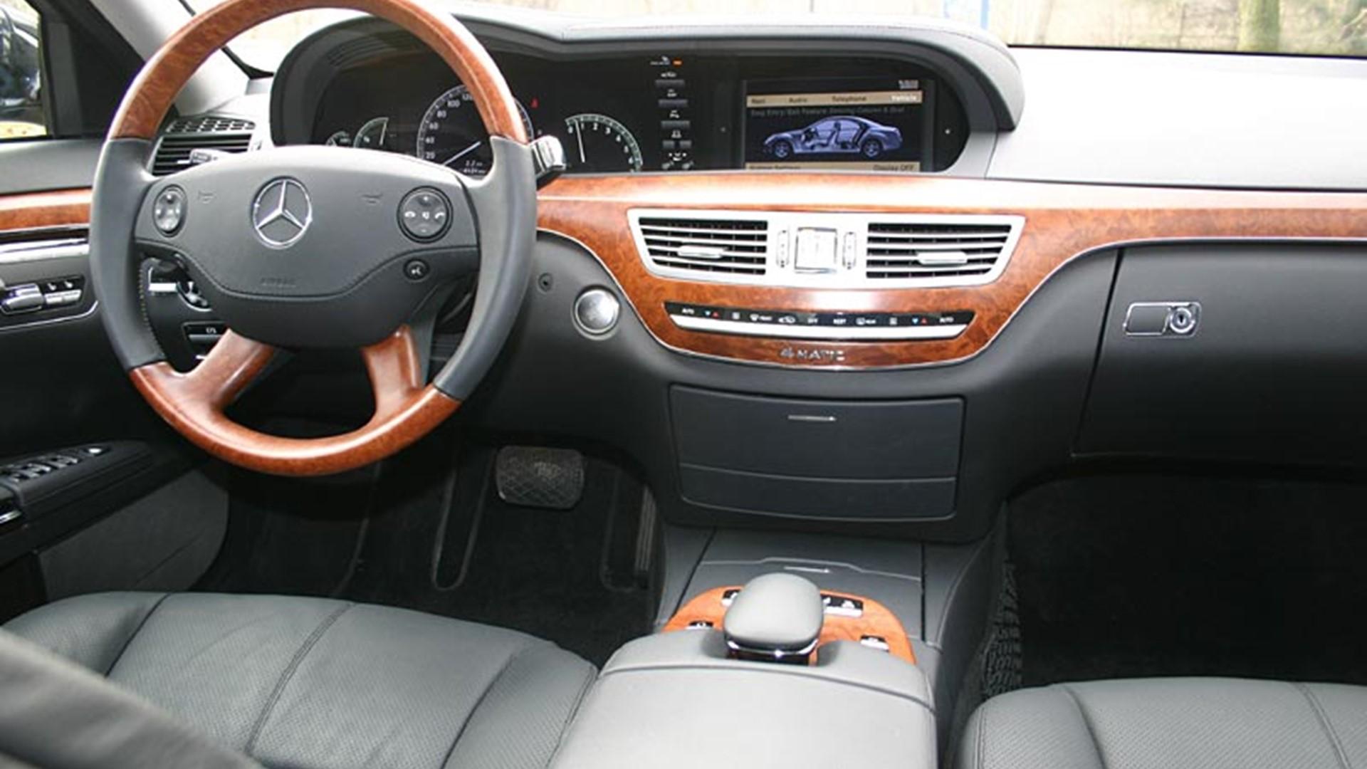 Аренда авто премиум класса с водителем Mercedes S-class Киев