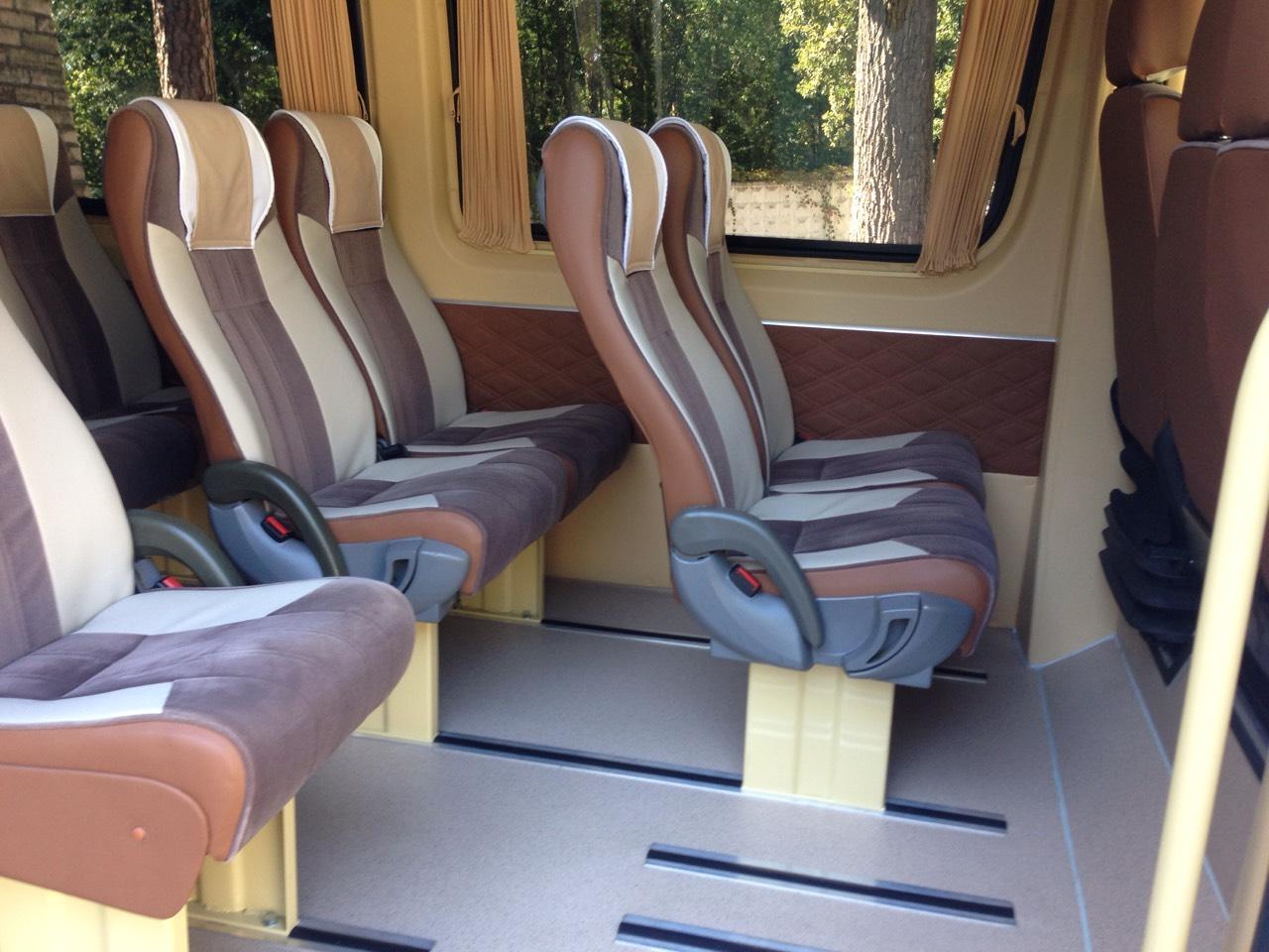 Заказать микроавтобус с водителем Киев Mercedes Sprinter