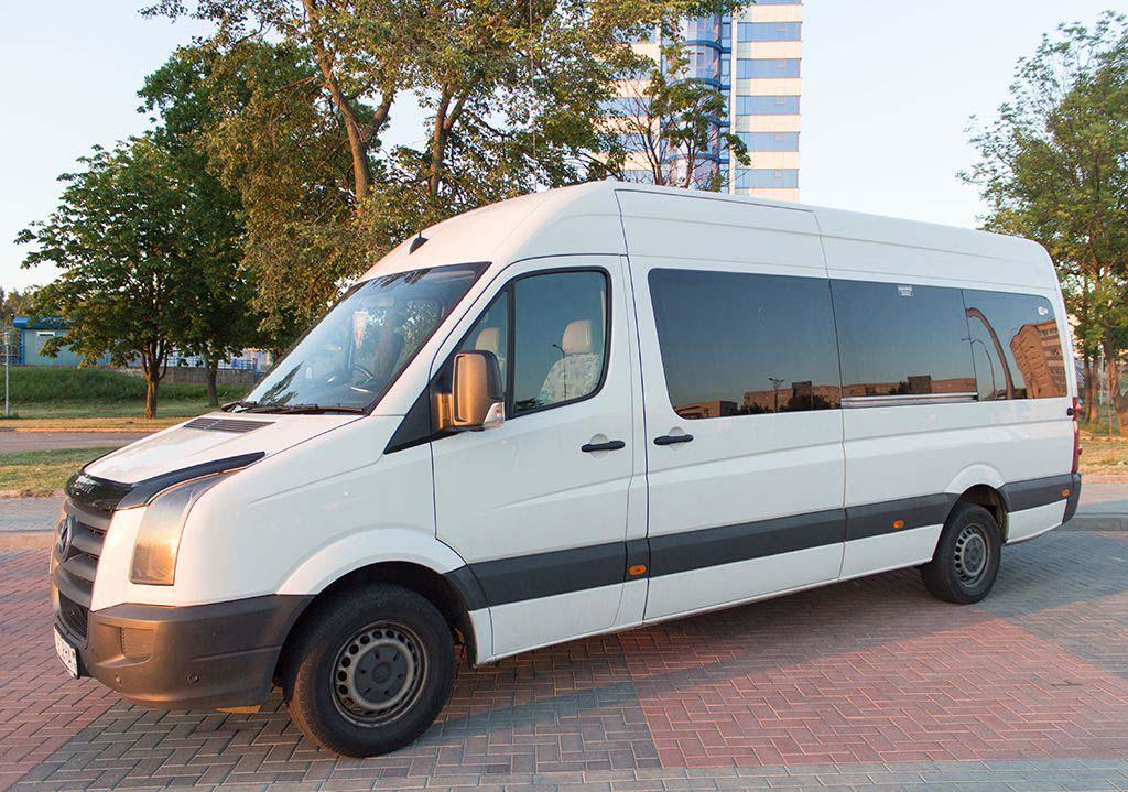 Аренда микроавтобуса с водителем Киев. VW Crafter